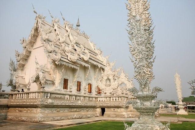 Белый храм Ват Ронг Кхун.