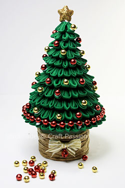 Новогодние елочки-канзаши своими руками.