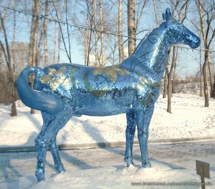 Фигуры из снега. Хабаровск 2014.